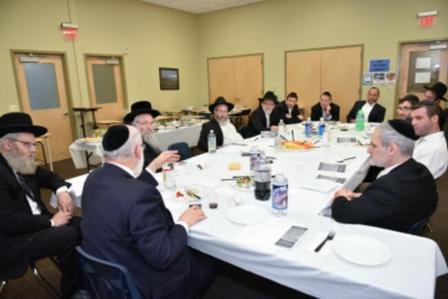A focus group of participants, together with Agudas Yisroel askanim at PCS headquarters in Lakewood, NJ to launch the upcoming Yerushalayim Yarchei Kallah; four days of intense learning, shiurim and shmuessen from the Gedolei Roshei Yeshivos and Poskim in Eretz Yisroel. The Yerushalayim Yarchei Kallah will take place iyH January 16 - 19, 2017.