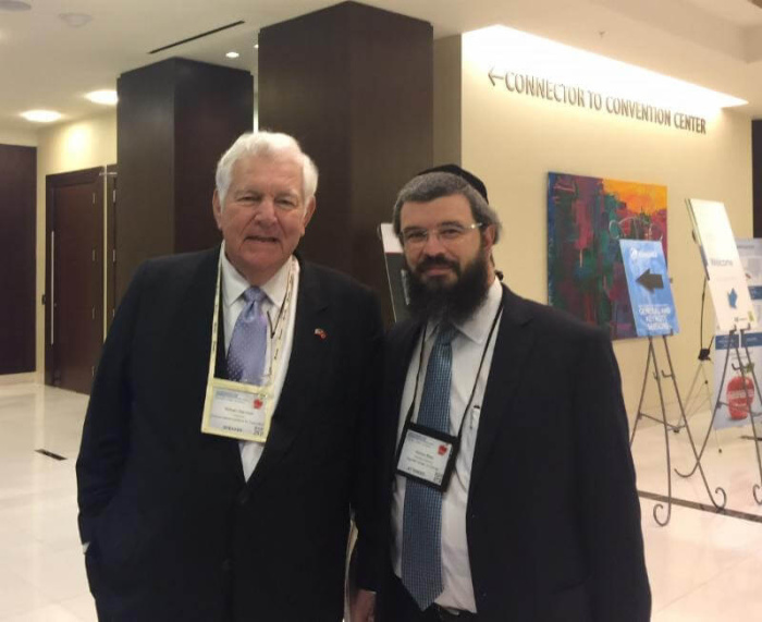 Agudath Israel of Florida Director Rabbi Moshe Matz with former Secretary of Education Bill Bennett at the 2016 National Summit on education Reform hosted by the Foundation for Excellence in Education